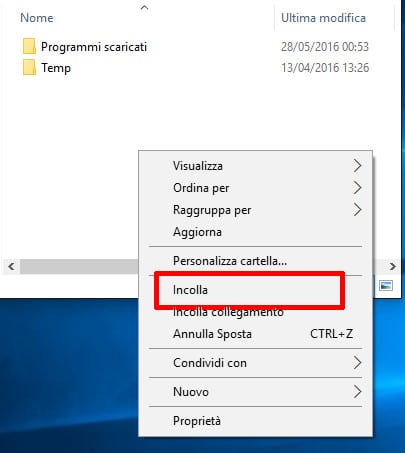 Windows 10 - Esplora File - Incollare il file nella cartella Download