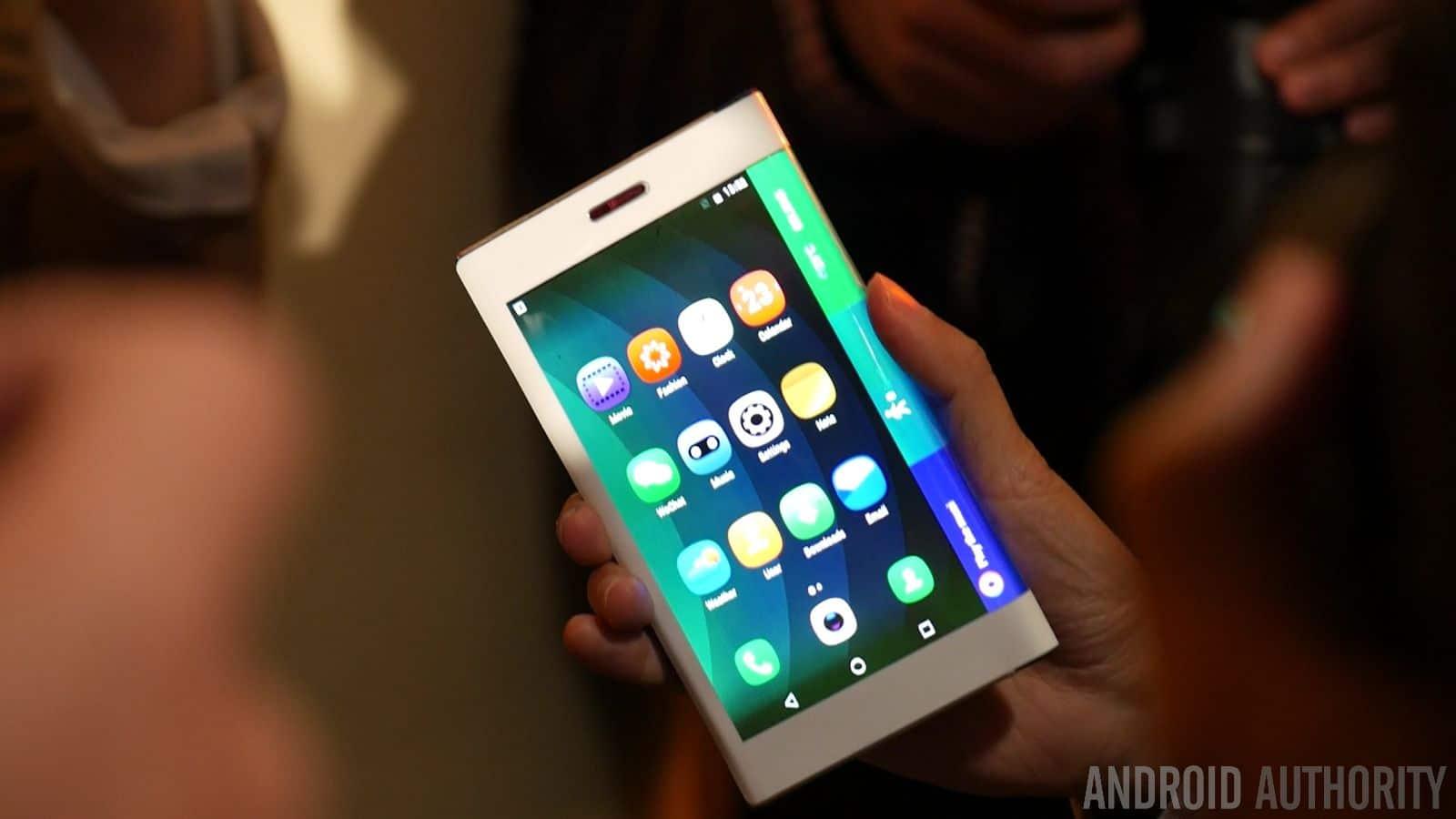 Tablet pieghevole by Lenovo 3